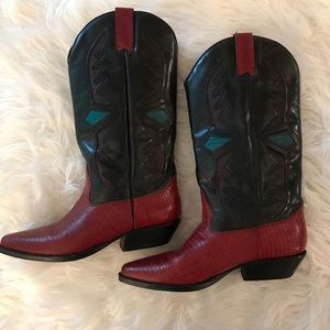 Hunt Club Western Black/Red Textured Cowgirl Boots